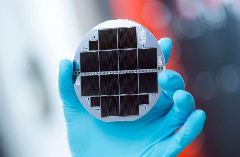 ISE 3130 triple junction solar cell   Photovoltaik Österreich
