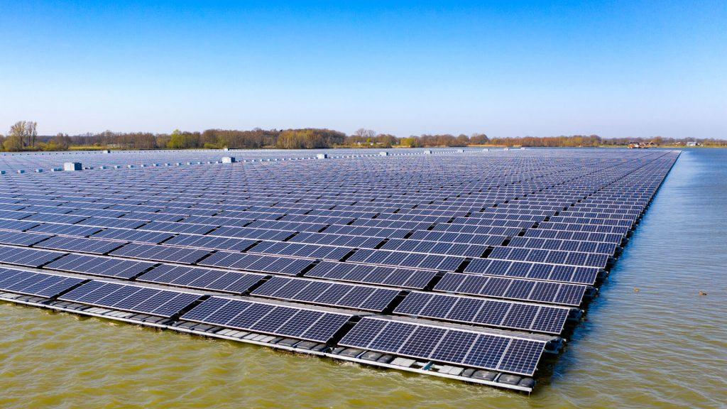DERE Solar Floating Bomhofsplas 1920x1080 7 | Photovoltaik Österreich