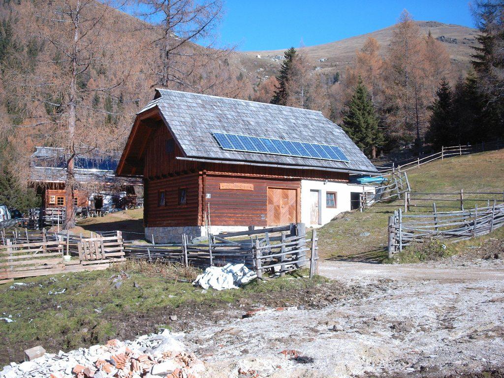 Laerchenhuette St. Oswald Kaernten Inselanlage © Josef Lobnig SOLARTEC Photovoltaik GmbH 1024x768 1 | Photovoltaik Österreich