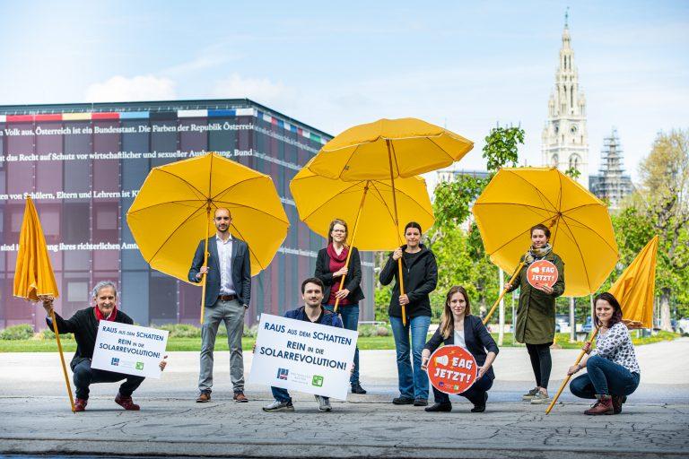 Raus aus dem Schatten - Rein in die Solarrevolution (c) Astrid Knie